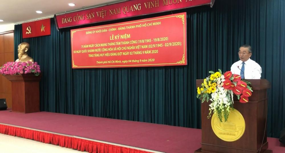 Ông Võ Ngọc Quốc Thuận - Bí thư Đảng ủy Khối Dân - Chính - Đảng TPHCM - phát biểu tại buổi lễ. Ảnh: Quốc Ngọc