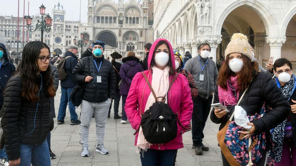 Pháp báo cáo gần 9.000 ca nhiễm mới SARS-CoV-2 trong 24 giờ qua.