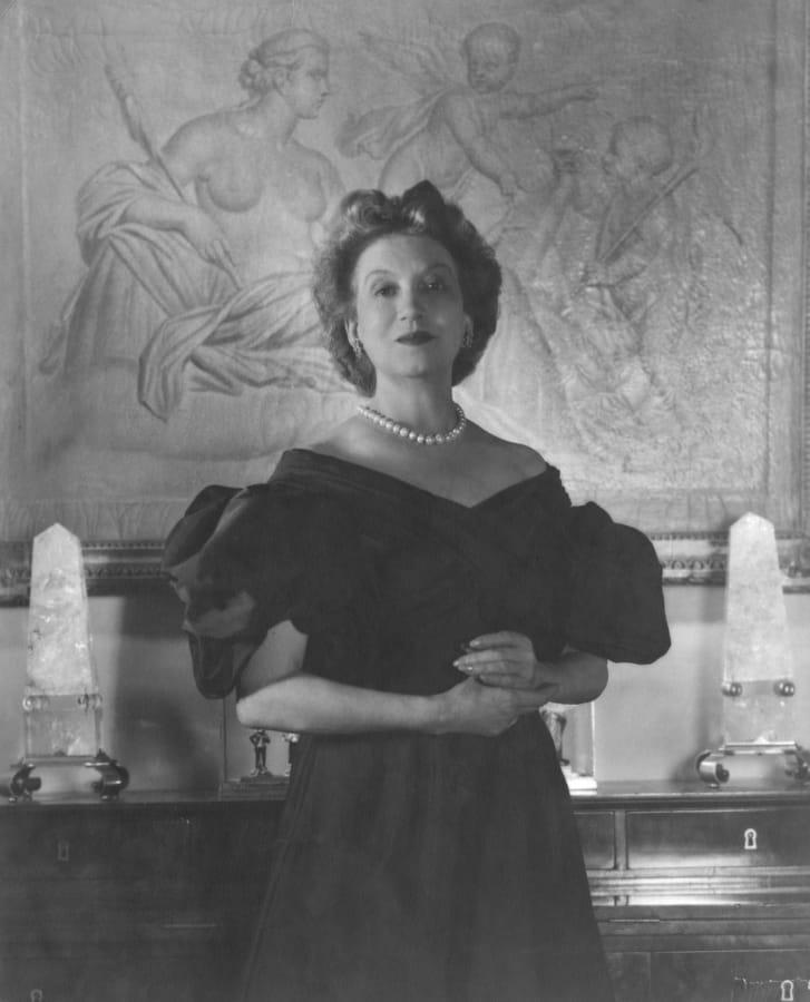 Chân dung nhà kinh doanh mỹ phẩm và làm đẹp Elizabeth Arden (1947)