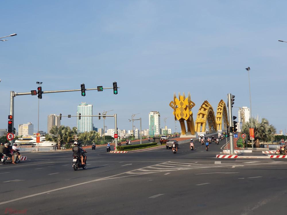Đường phố Đà Nẵng đông đúc trở lại