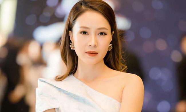 Diễn viên Hồng Diễm nhận giải Nữ diễn viên ấn tượng sau 3 lần lọt vào hạng mục đề cử.