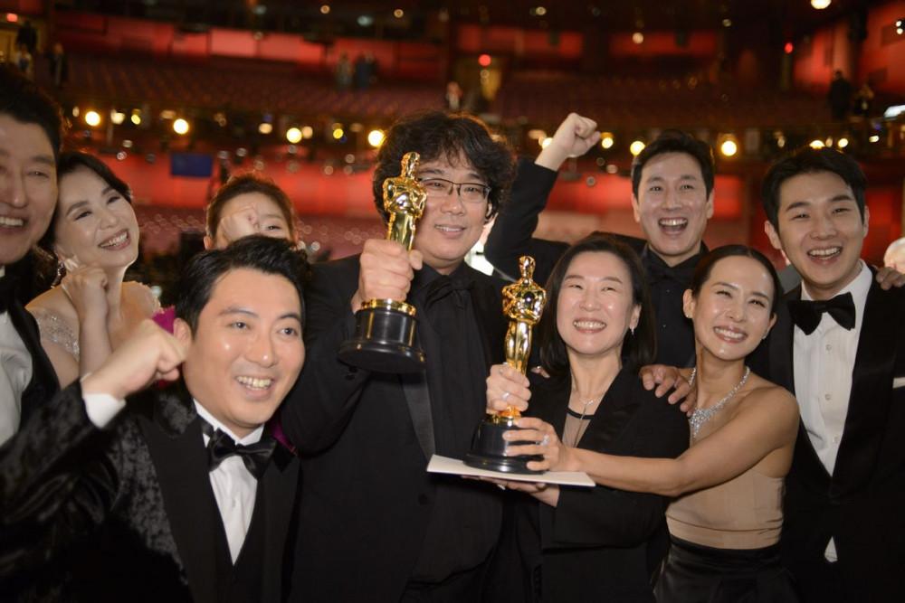 Cùng với vị thế mới của Kpop, chiến thắng của bộ phim Parasite tại giải Oscar đã mở ra cơ hội cho văn hóa Hàn Quốc vươn tầm thế giới