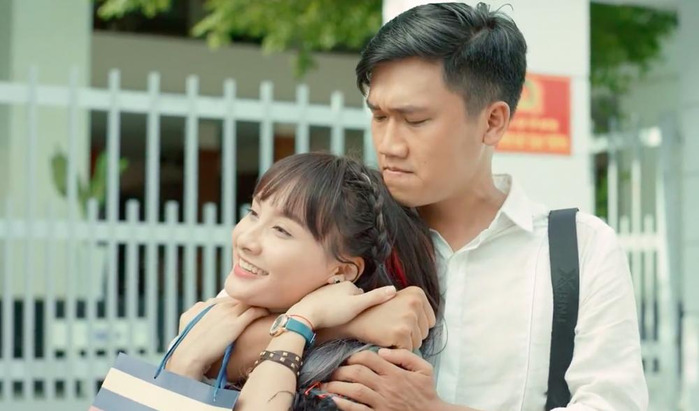 Xuân Nghị khi vào vai Mr Cần Trô đóng cặp cùng diễn viên Bảo Thanh.