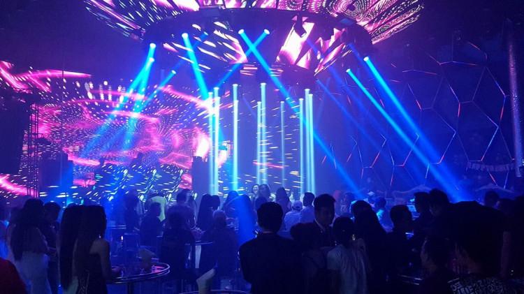 18g ngày 7/9, quán bar và vũ trường được phép hoạt động trở lại ở Sài Gòn,