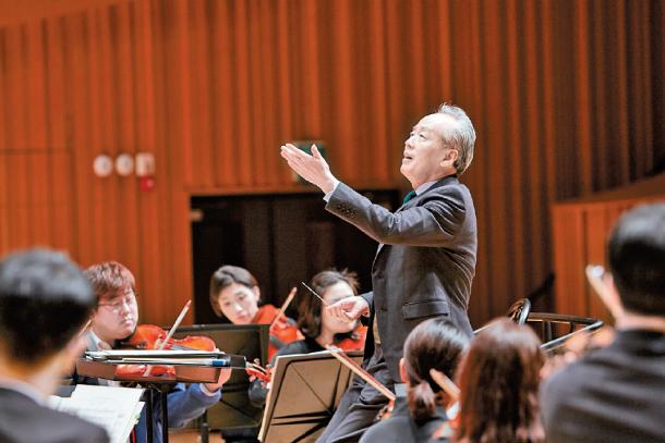 Các nghệ sĩ dàn nhạc cổ điển đến gần hơn với công chúng thông qua các sản phẩm kết hợp cùng các ca sĩ Kpop.