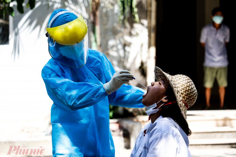Khoảng 265 dân số Đà Nẵng đã được lấy mẫu xét nghiệm COVID-19