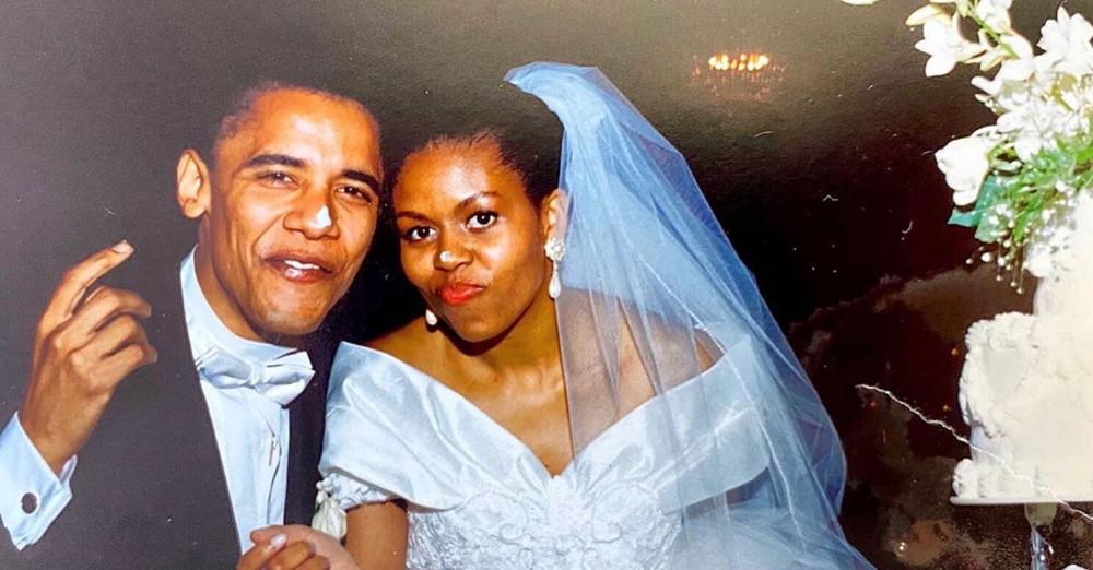 Tấm ảnh cưới được bà Michelle Obama chia sẻ.