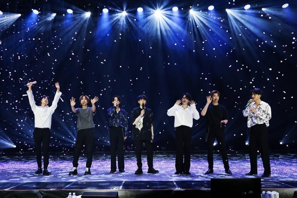 """BTS tổ chức buổi hòa nhạc trực tuyến """"Bang Bang Con: The Live"""" vào ngày 14 tháng 6"""