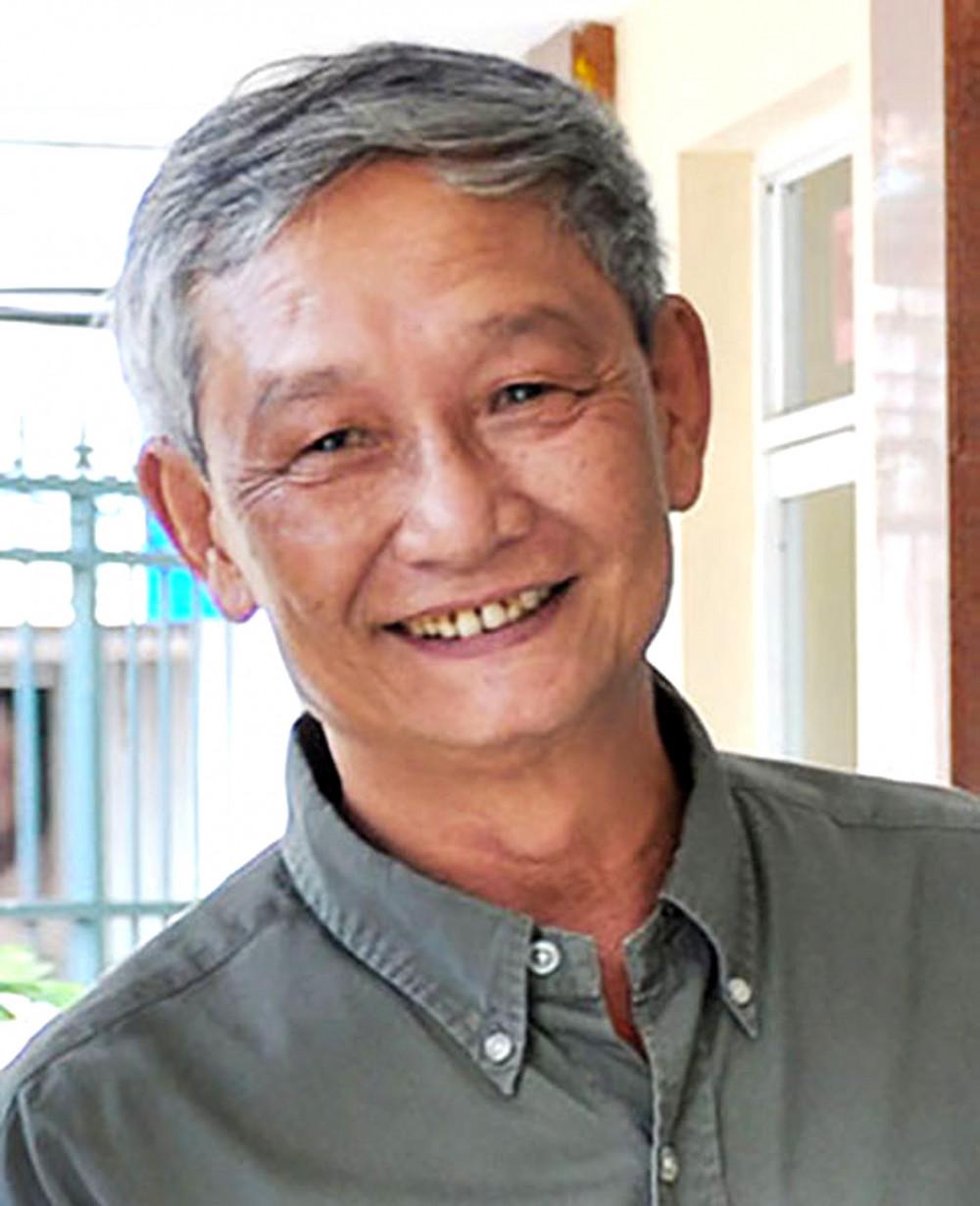 Nhà thơ Văn Lê