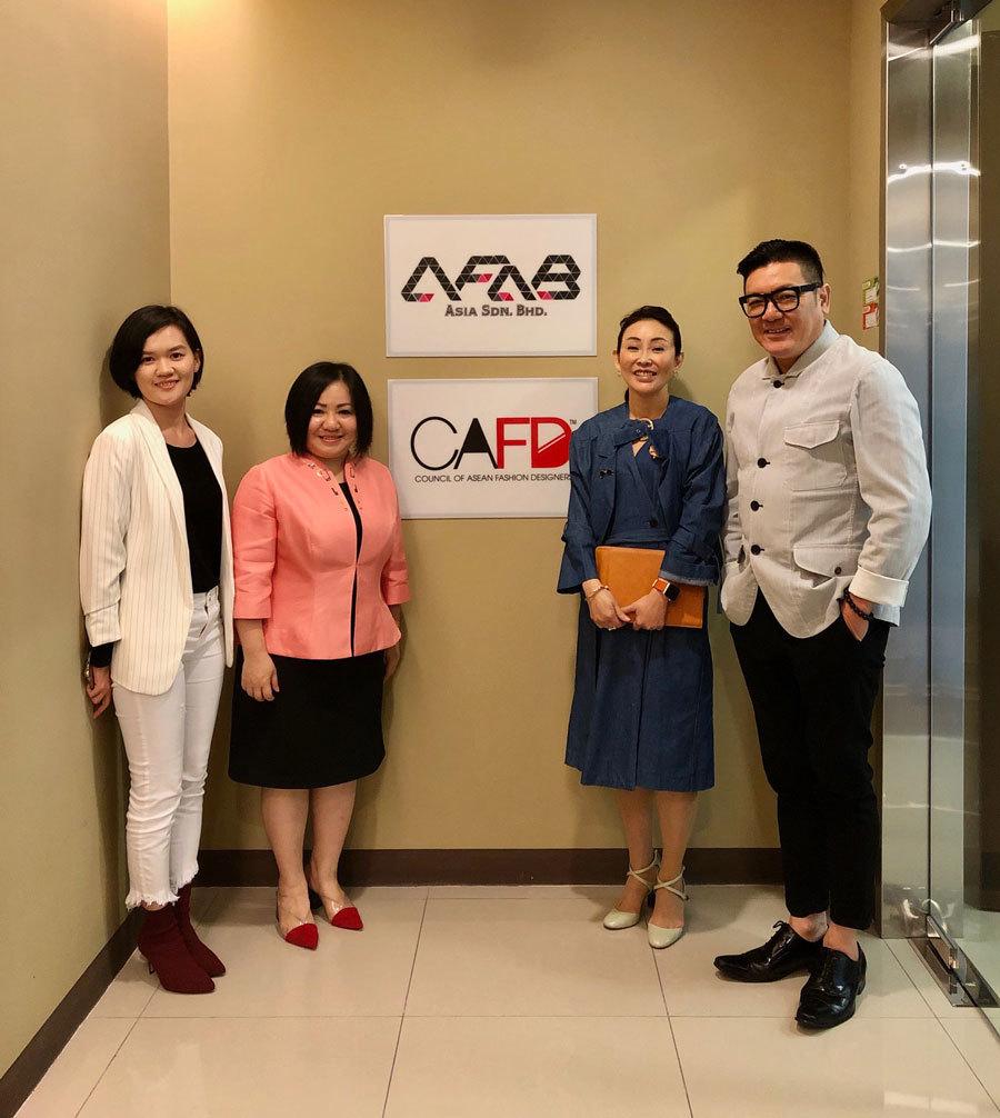 Bà Trang Lê (Chủ tịch tổ chức Tuần lễ Thời trang Quốc tế Việt Nam) vừa được bổ nhiệm chức Chủ tịch Hiệp hội các nhà thiết kế thời trang Đông Nam Á - Council of ASEAN Fashion Designers