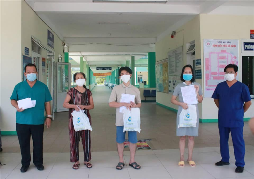Các bệnh nhân được công bố khỏi bệnh COVID-19