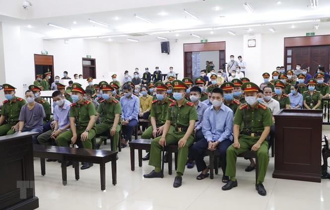 Các bị cáo tại phiên tòa. (Ảnh: TTXVN).