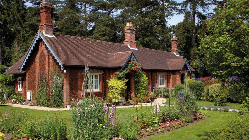 Một ngôi nhà cổ với nhỏ xinh nằm trong Sandringham Estate gợi cảm giác hoài niệm