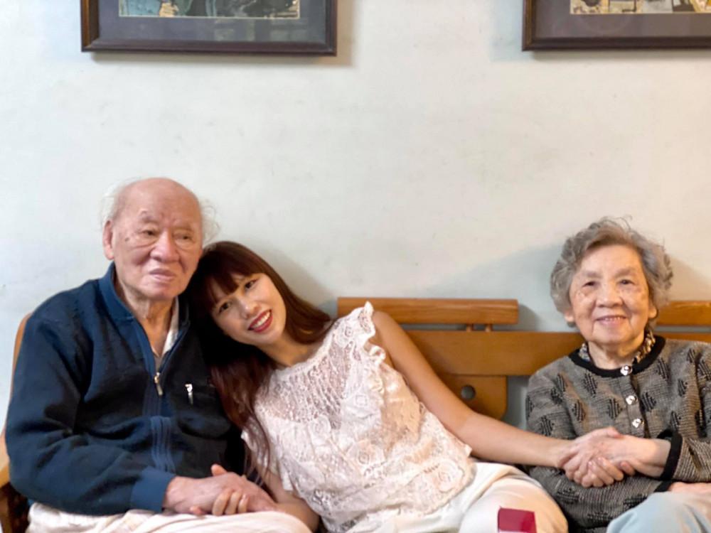 Siêu mẫu Hà Anh là cháu nội của nhà văn Vũ Tú Nam