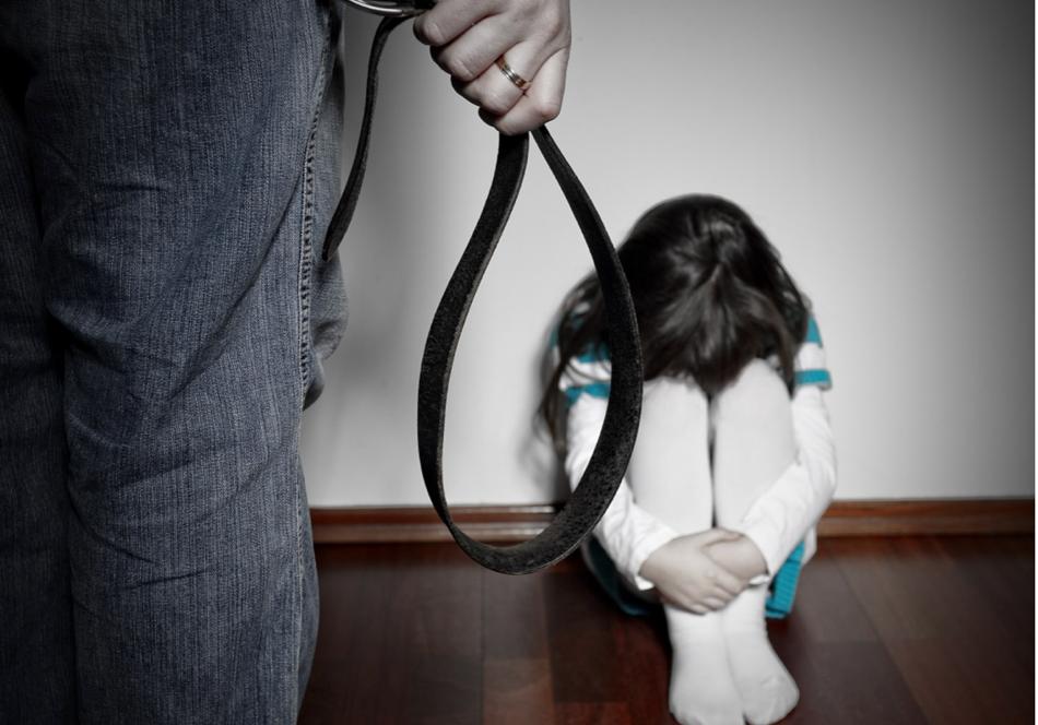 Nhiều bố mẹ không kiểm soát được hành vi mỗi khi con mè nheo, quấy khóc - Ảnh minh họa: Altoday