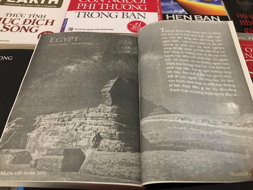 Trang trong của bản sách Muôn kiếp nhân sinh giả, giấy xấu và chữ mờ