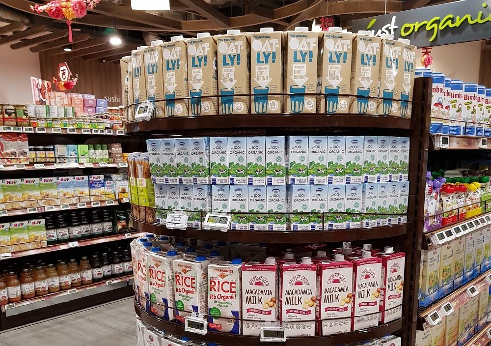 """Sữa Organic của Vinamilk tại Singapore, một trong những thị trường """"khó"""" đã được doanh nghiệp chinh phục. Ảnh: Vinamilk cung cấp"""