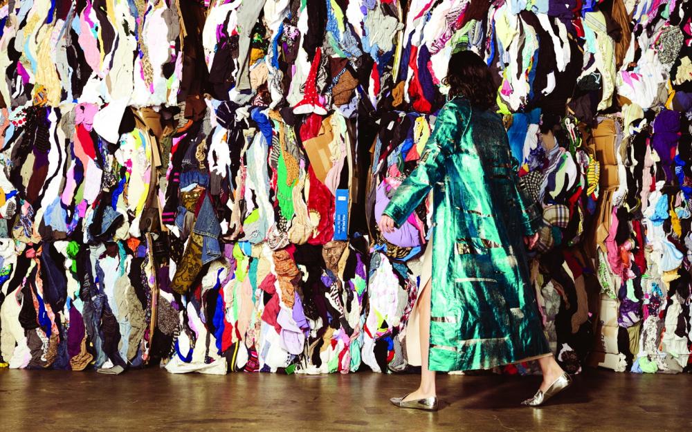 """Các thương hiệu lớn, từ thời trang nhanh đến các nhà sản xuất xa xỉ, muốn trấn an người tiêu dùng rằng họ quan tâm đến môi trường, nhưng sản xuất và phân phối thời trang thực sự """"xanh"""" không phải là điều dễ dàng"""