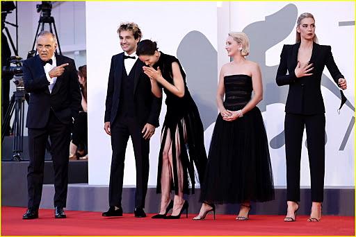 Đoàn làm phim The World to Come trong buổi ra mắt bộ phim tại Liên hoan phim Venice
