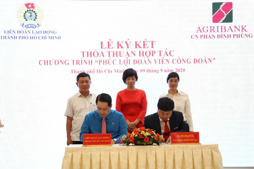 Agribank Chi nhánh Phan Đình Phùng và Liên đoàn Lao động TP.HCM ký kết thỏa thuận hợp tác chương trình 'Phúc lợi đoàn viên Công đoàn. Ảnh: Agribank cung cấp