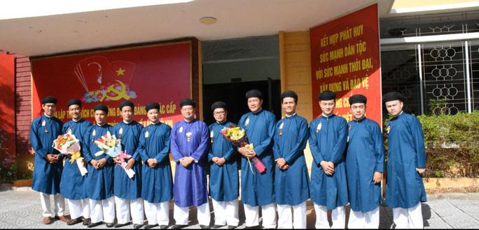 Công chức ngành văn hóa xứ Huế sẽ mặc áo dài khăn xếp (ảnh: internet)