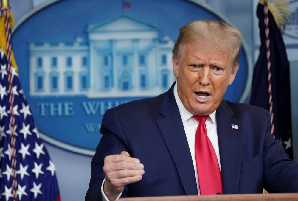 Tổng thống Mỹ Donald Trump phát biểu trước các phóng viên trong một cuộc họp báo tại Phòng họp báo Brady tại Nhà Trắng ở Washington, vào ngày 10 tháng 9 năm 2020.