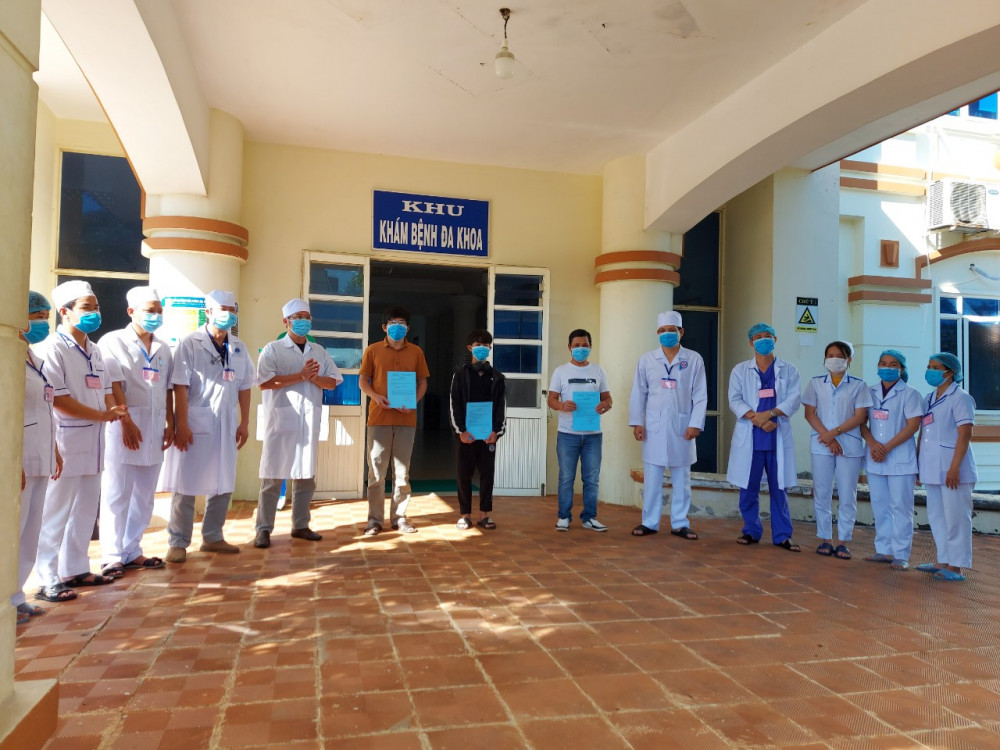 Ba bệnh nhân nhiễm COVID - 19 ở Quảng Ngãi 419, 590 và 786 được công bố khỏi bệnh và  xuất viện