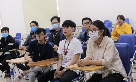 Tân sinh viên Khoa Y - ĐH Quốc gia TP.HCM làm thủ tục nhập học đợt 1 - Ảnh website Khoa Y