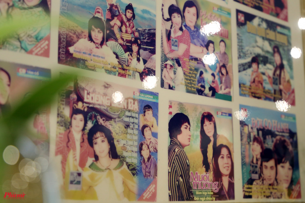 Hình ảnh chụp lại loạt ảnh CD có sự góp mặt của NSND Minh Vương cũng được tổng hợp để người xem dễ theo dõi.