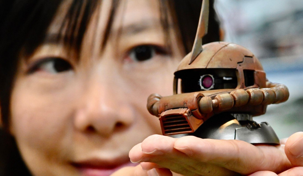 Hikari Yang say mê mới những mô hình thu nhỏ