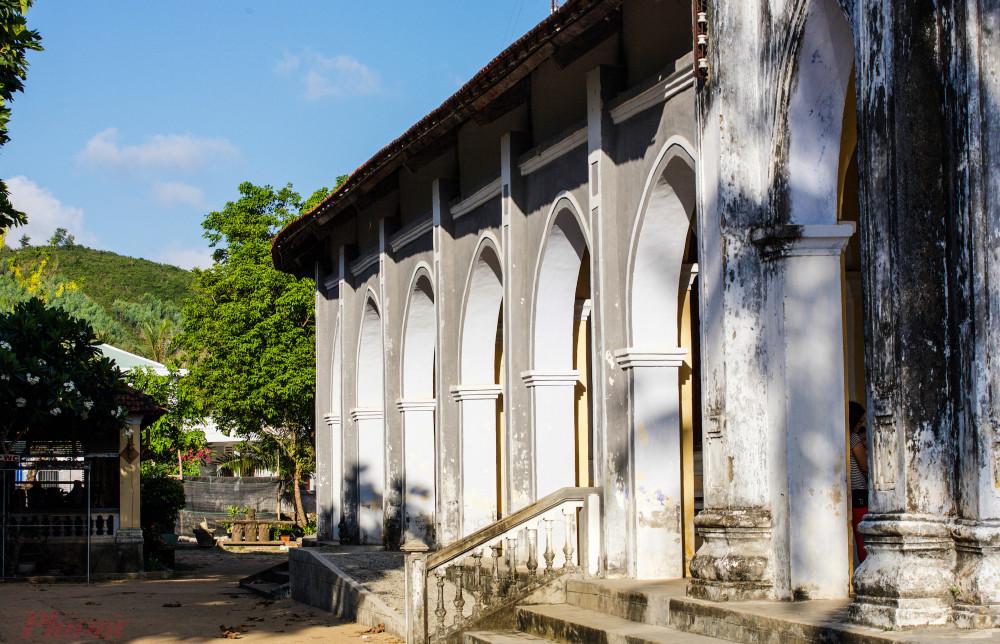 Nhà thờ Mằng Lăng.
