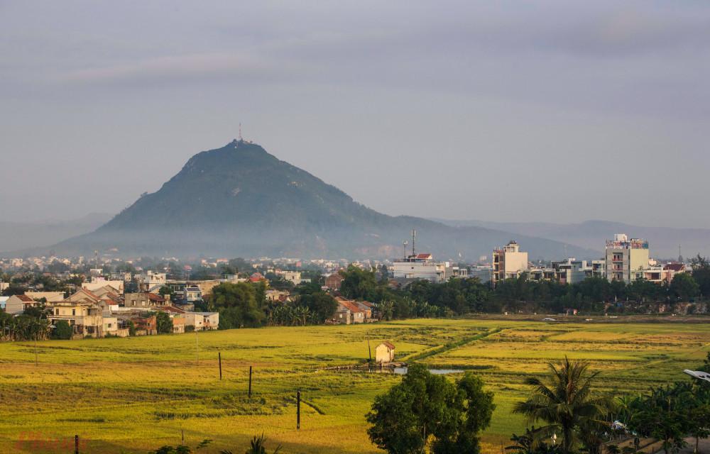 Núi Chóp Chài.