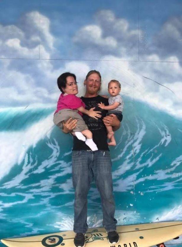 Gia đình nhỏ này đang sống những ngày thật hạnh phcus cùng nhau - Ảnh: PA REAL LIFE