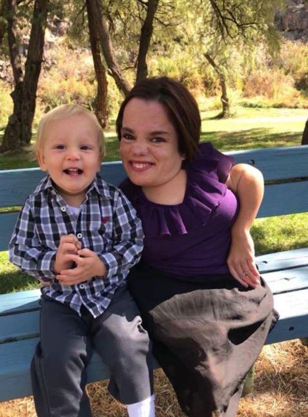 Trisha luôn tự hào về cậu con trai nhỏ kháu khỉnh của mình - Ảnh: