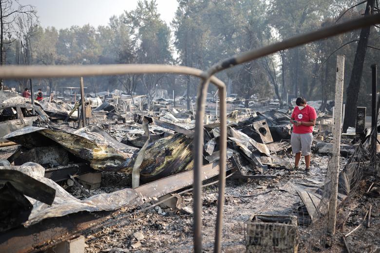 Một khu phố thuộc khu vực Phoenix, Oregon bị cháy rừng phá huỷ