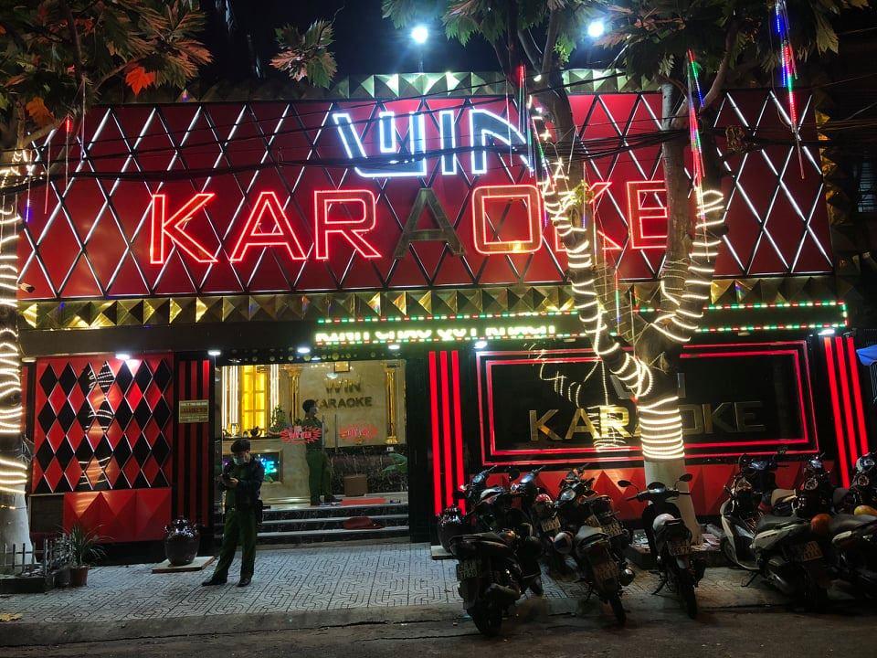 Công an phong toả quán karaoke Win để kiểm tra