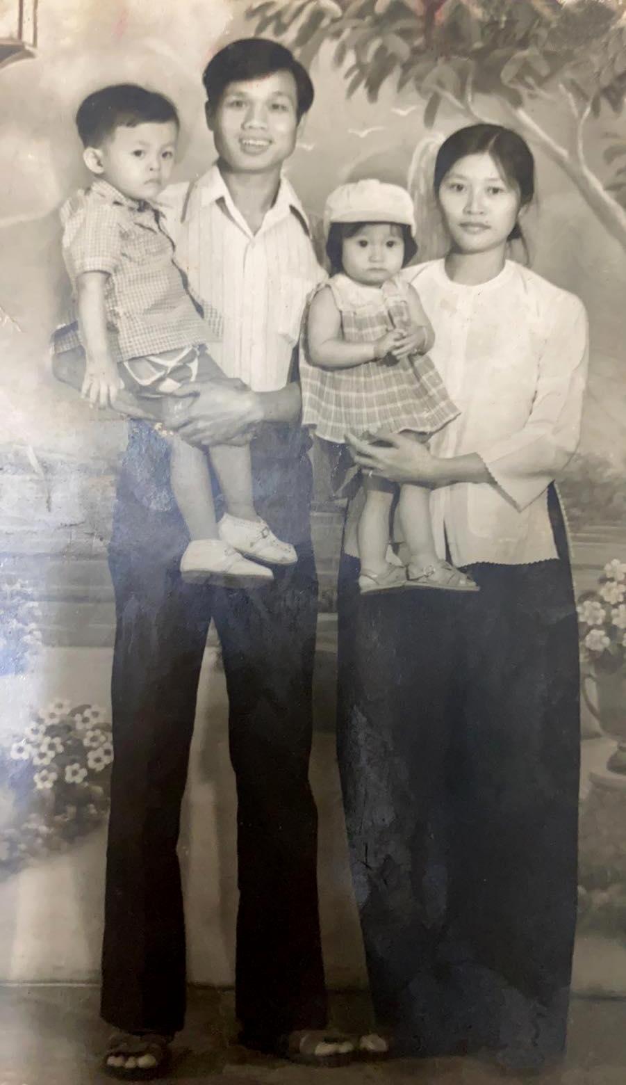 Ba mẹ Quách Tuấn Du thời trẻ