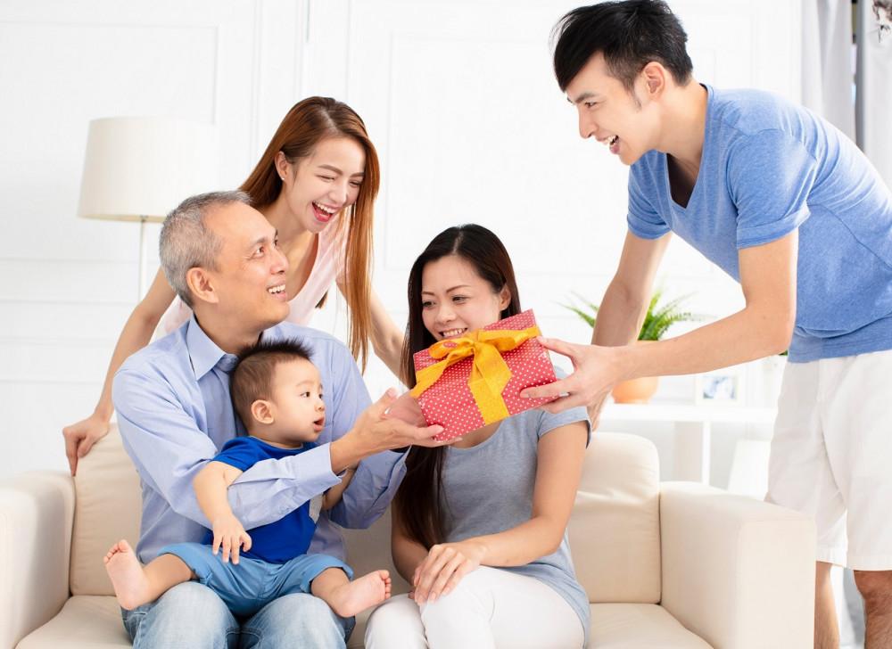 Từ khi ba mẹ hứa cho đất, chồng tôi rất săn sóc nhà ngoại. Ảnh minh hoạ