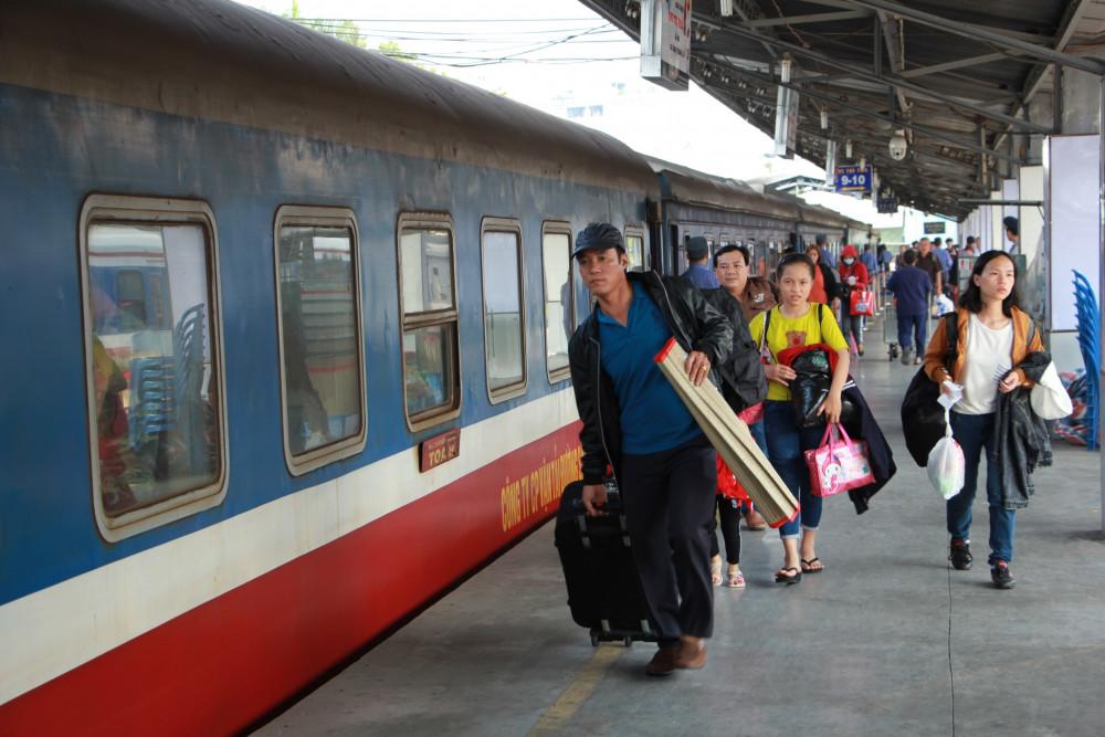 Hành khách tại ga Sài Gòn