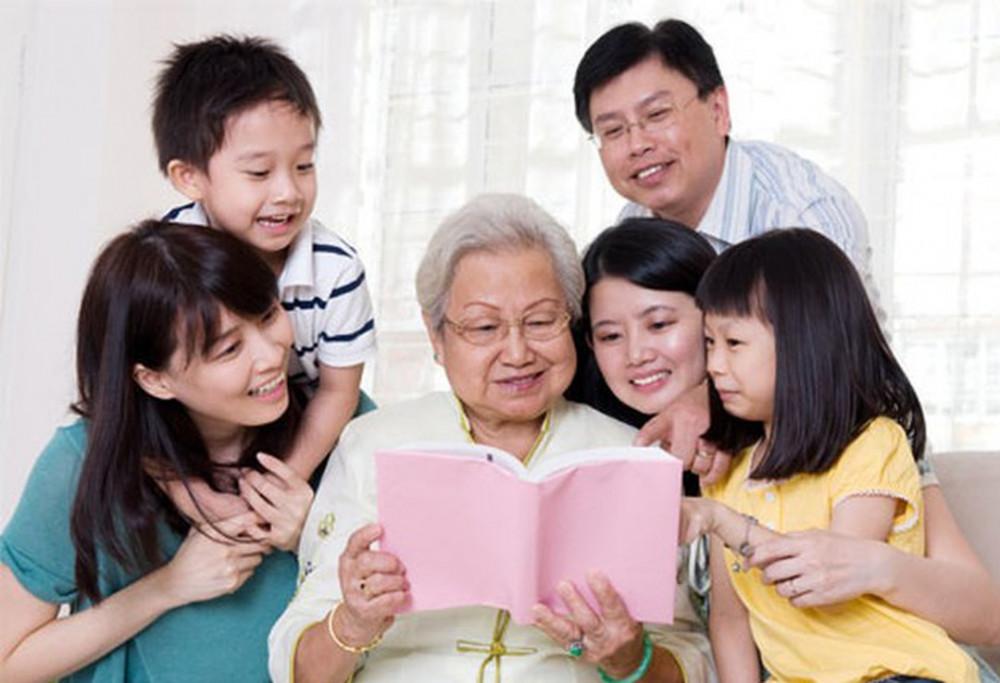 uổi già, ông bà mong gì hơn là con cháu hòa thuận êm ấm. Ảnh minh họa