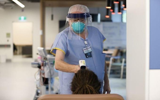 Người cao tuổi là đối tượng dễ bị tổn thương nhất trong mùa dịch COVID-19.