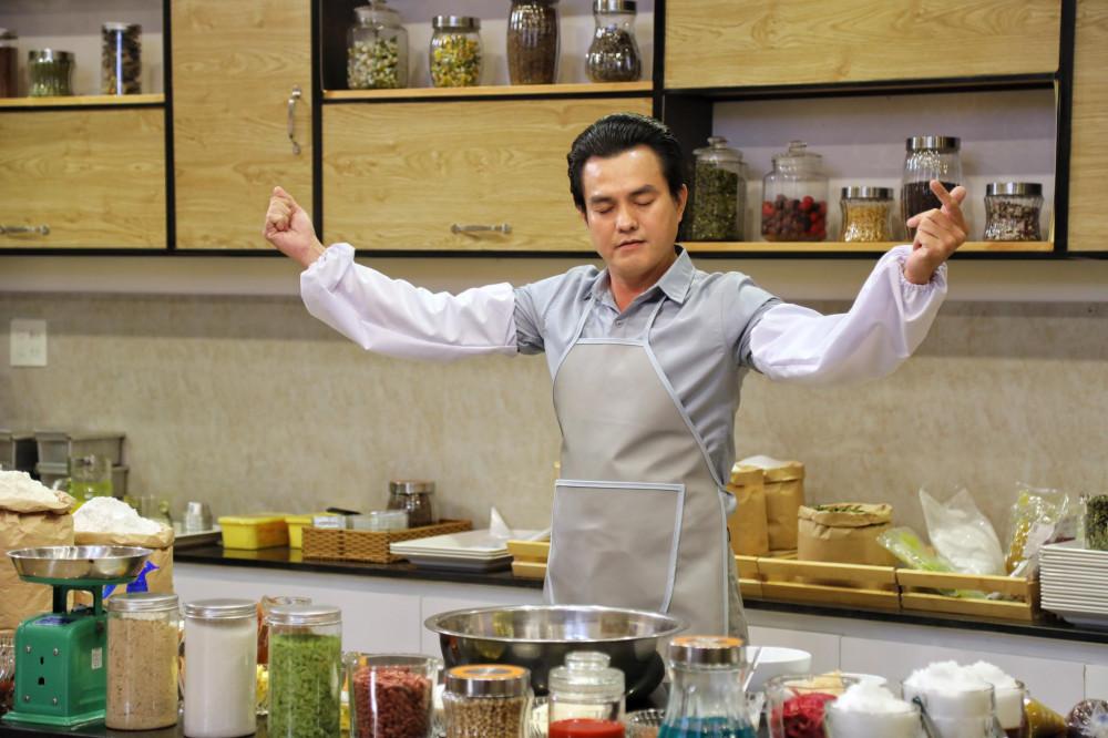 Cao Minh Đạt trở lại với vai ông Đạt - chủ tiệm bánh Thành Đạt