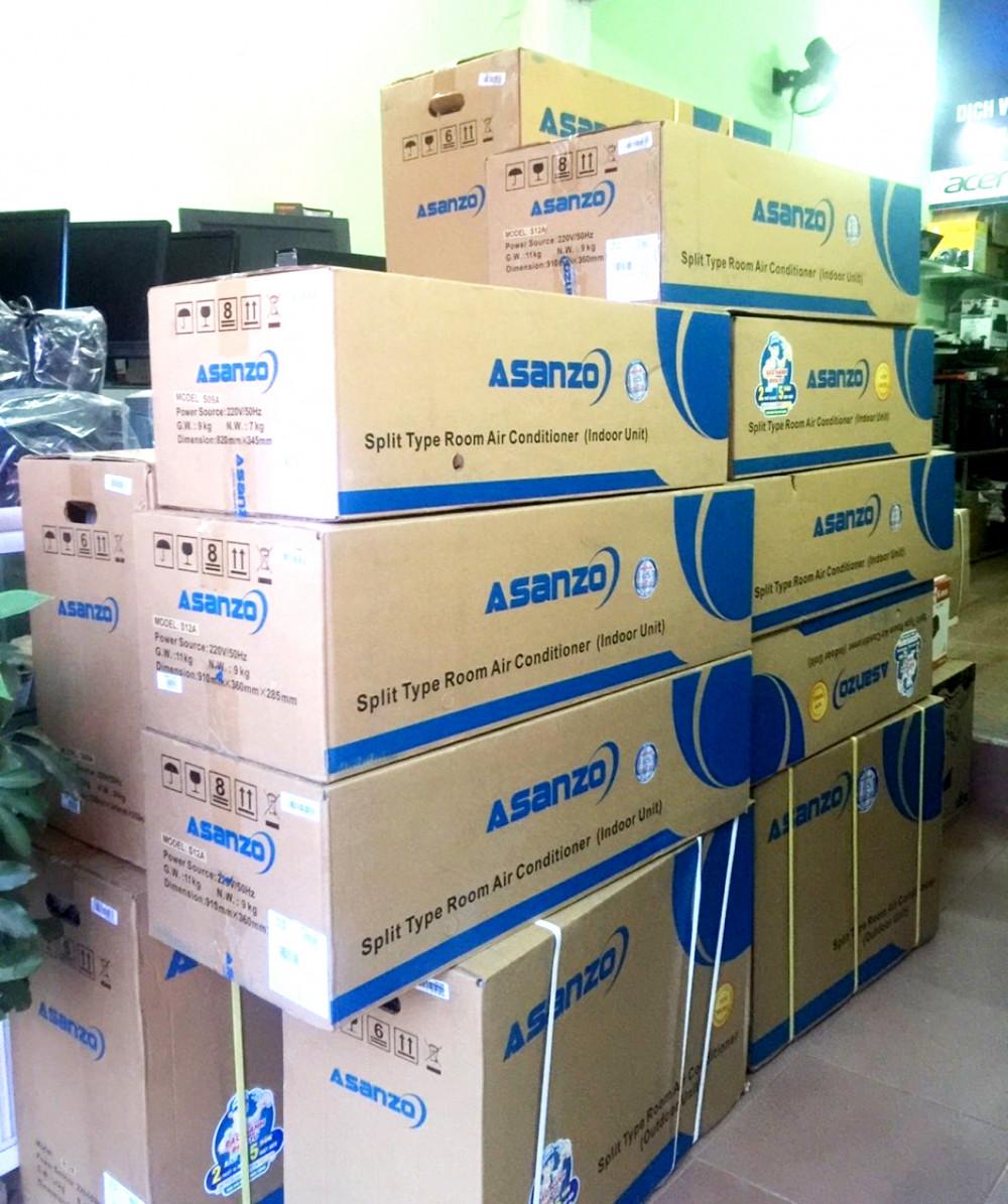 Cơ quan công an vẫn tiếp tục điều tra các hành vi có dấu hiệu buôn lậu và trốn thuế của Asanzo. Trong ảnh: các sản phẩm smart ti vi, máy điều hòa, bếp từ mang nhãn hiệu Asanzo được bán nhiều trên thị trường trước đây