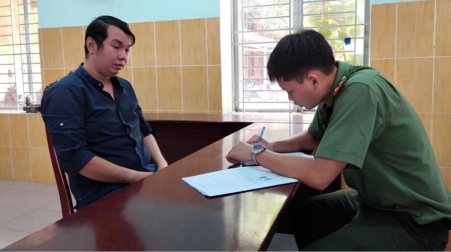 Đối tượng Hạo làm việc với Công an TPHCM.
