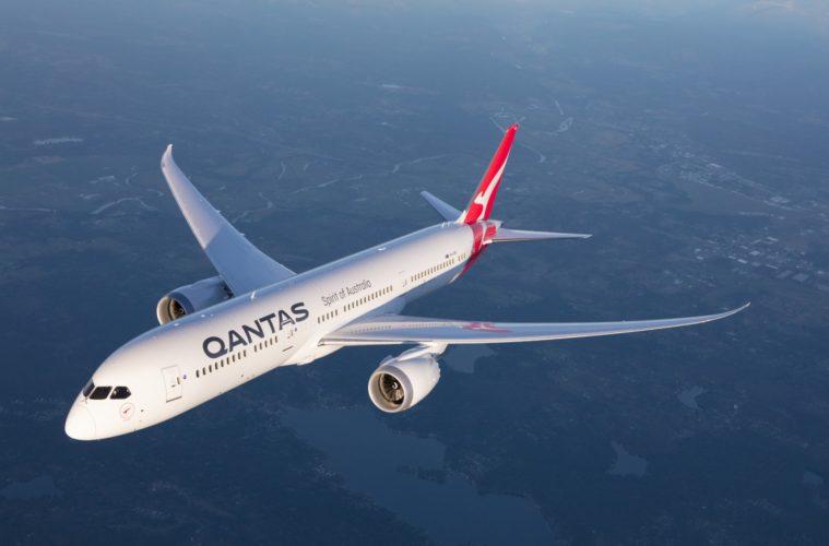 Qantas sẽ sử dụng 787 cho chuyến bay từ Sydney sẽ bay ở tầm thấp qua Uluru, Great Barrier Reef và cảng Sydney