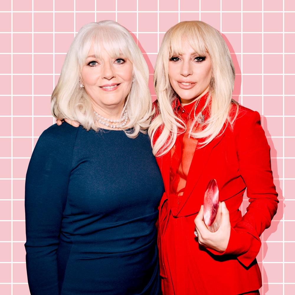 Lady Gaga và mẹ ruột từng không thể chia sẻ với nhau trong thời gian cô học tại trường trung học.