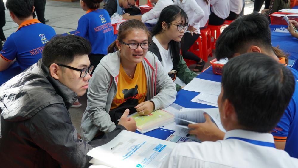 Thí sinh đăng ký xét tuyển vào ngành y dược ĐH Nguyễn Tất Thành