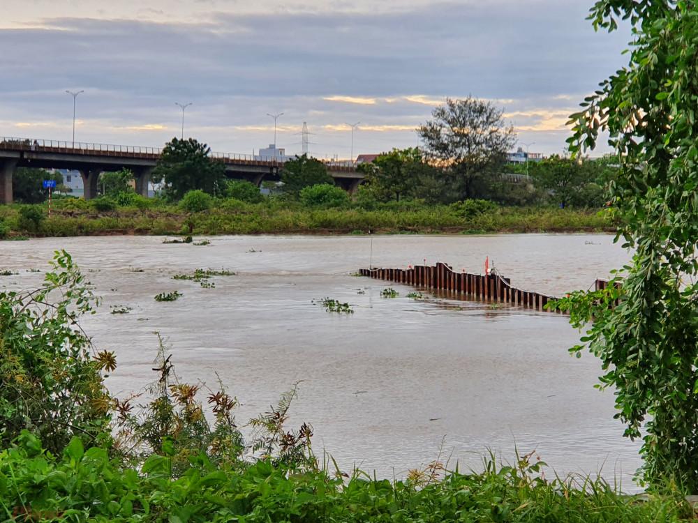Lượng mưa lớn cũng khiến các tuyến phố ở Đà Nẵng bị ngập cục bộ
