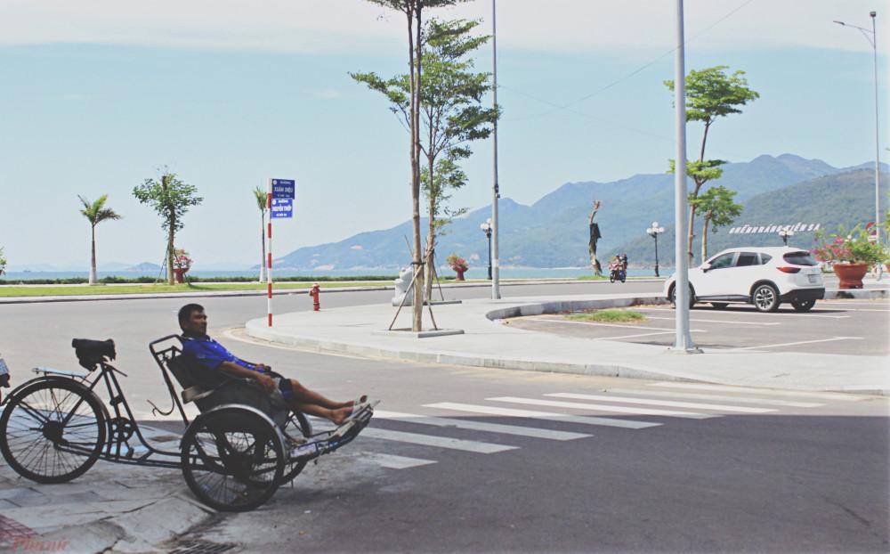Một góc đường vắng người qua lại ở Quy Nhơn