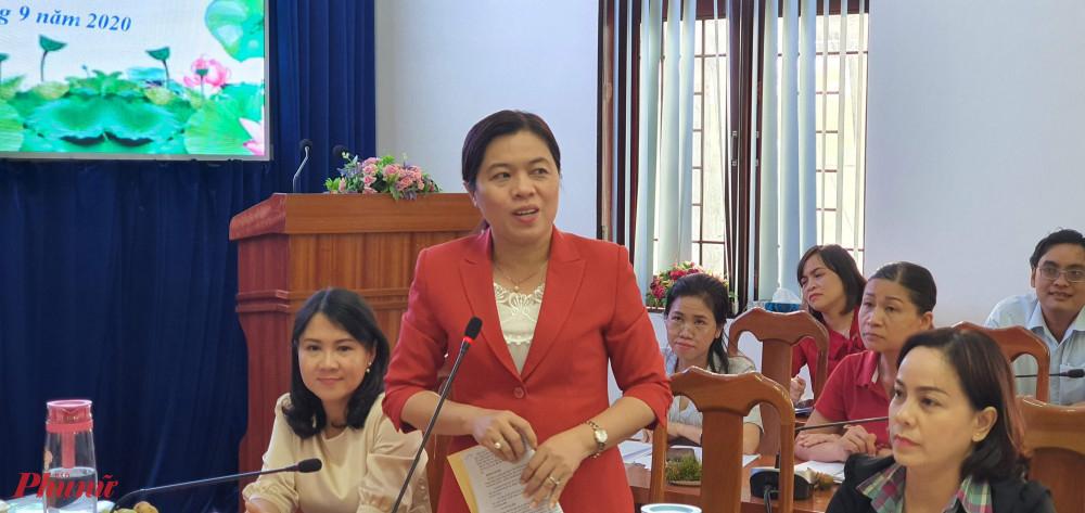 Bà Nguyễn Trần Phượng Trân - Chủ tịch Hội LHPN TPHCM trai đổi nâng cao tỷ lệ tập hộp hội viên là phụ nữ đương nhiên